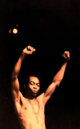 Fela Anikulapo Kuti, Apollo Theater, NYC, 1989.  Photo credit: Gordon Polatnick